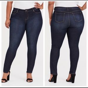Women's Torrid Skinny Dark Wash Jeans Size 22R